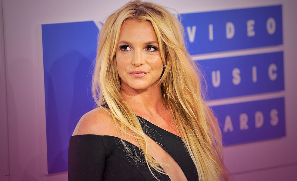 Britney Spears Sues