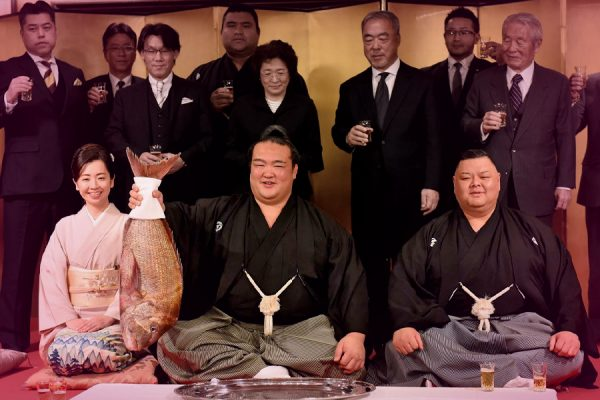 Japan reclaims Sumo-Wrestling crown.