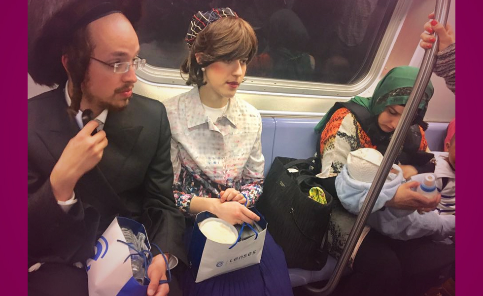 Viral Photo from NYC Subway Captures America At Its Best