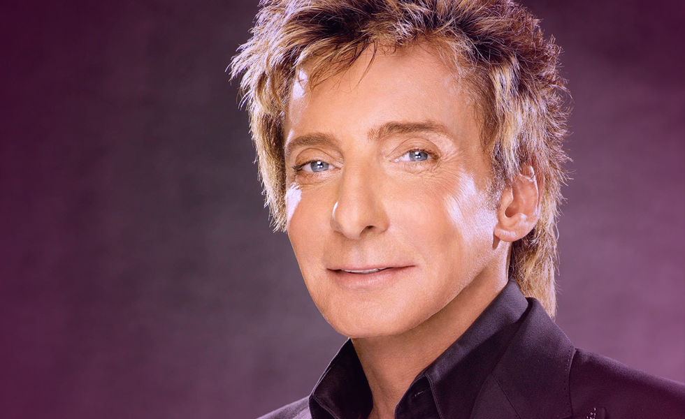 Barry Manilow Comes Out as Gay